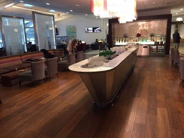 Galleries Lounge T5B