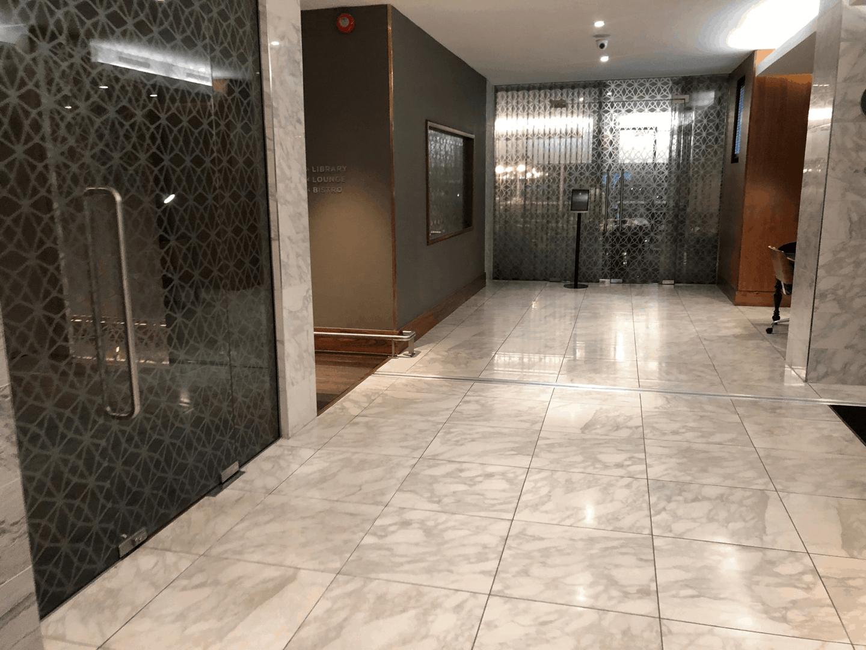 No 1 Lounge Gatwick North entryway