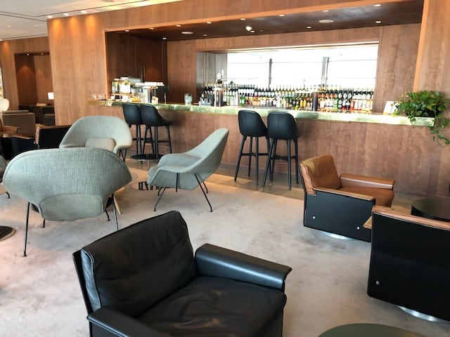 Cathay Pacific Heathrow Bar